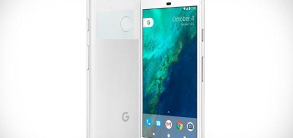 Google Pixel Smartphone | Uncrate - uncrate.com