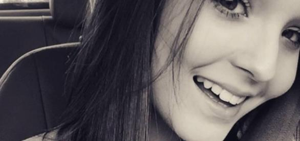 Larissa Manoela lança carreira internacional com show na Disney ... - com.br