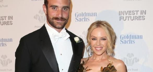 Die australische Sängerin Kylie Minogue und ihr Verlobter Jesse Sasse