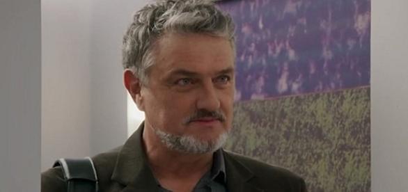 Guido resolve dar um basta e revela o motivo de seu desaparecimento
