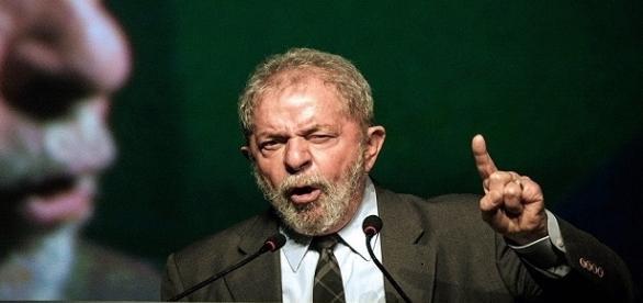 Nesta terça-feira (4), o ex-presidente Luiz Inácio Lula da Silva discursou em um evento para sindicalistas.