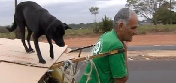 Nilson e seu fiel amigo, Pretinho (Foto: Reprodução/TV TEM)