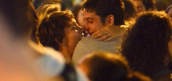 Fabíula Nascimento e Marco Pigossi curtem a noite carioca juntos