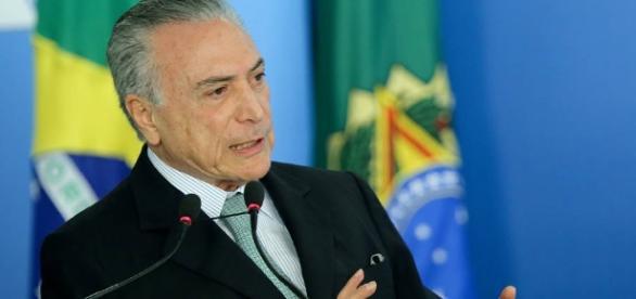 Michel Temer acredita que PEC é a solução para endividamento do país