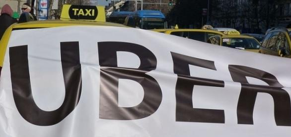 Taxi drivers protesting against Uber. Picture by Elekes Andor, Creative Commons.