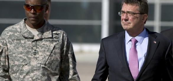 Us general Ron Lewis with secretary Ash Carter https://www.rt.com/usa/321784-pentagon-removes-general-lewis/