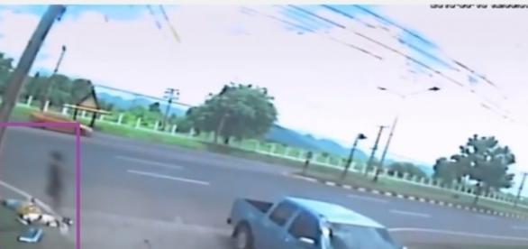 Vídeo de alma saindo de corpo de mulher após acidente (Foto/Reprodução)