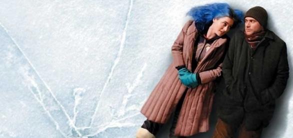 Jim Carrey e Kate Winslet estrelaram o filme de 2004.