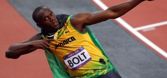 London Olympics 2012: Usain Bolt storms to 100m glory and he ... - dailymail.co.uk