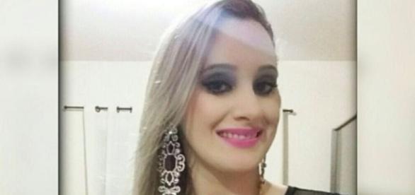 Mulher é assassinada a facadas pelo ex-namorado, quando assistia à missa
