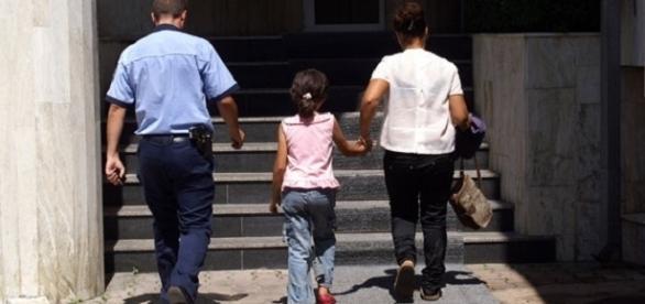 VIOL la Poșta Mare! Paznicul de 63 de ani a abuzat și sodomizat o fetiță de doar 8