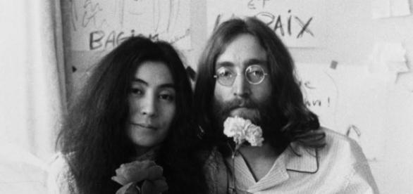 Yoko Ono e John Lennon formaram um dos casais mais conhecidos da música