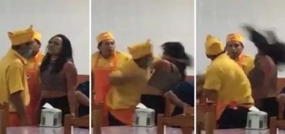A foto mostra que um dos homens que atendiam as mesas do restaurante, não controlou a raiva e agrediu uma cliente.