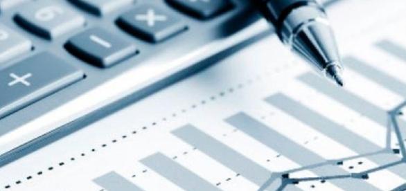Baixo rendimento da poupança leva investidores ao Tesouro e às ... - com.br
