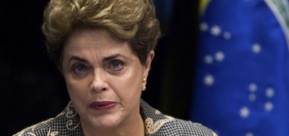 Dilma Rousseff praticamente não sai do apartmaento