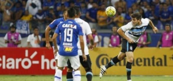 No jogo de ida, o Grêmio venceu por 2 a 0, e agora tem uma boa vantagem.