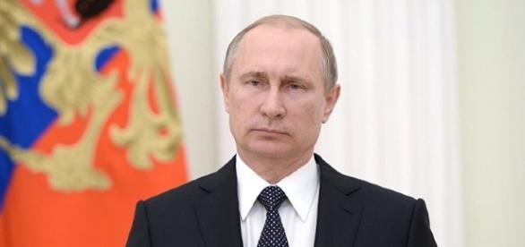 Vladimir Putin: 'Donald Trump ha metodi stravaganti ma sa parlare alla gente semplice'