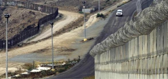 A los migrantes no les da miedo el muro de Trump: por tierra o mar ... - vice.com