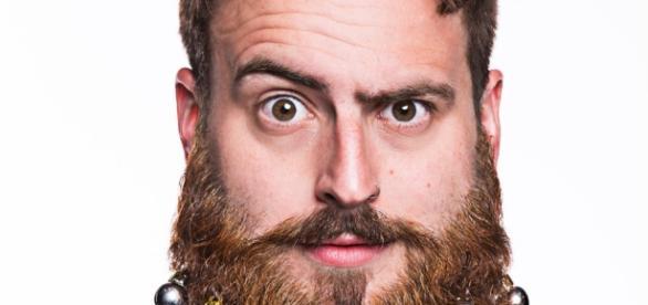 Decorated beard - Photo: Blasting News Library - wordpress.com
