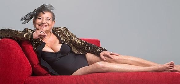 Dona Geralda posa sensual em fotos para o concurso Miss Bumbum Melhor Idade 2016.