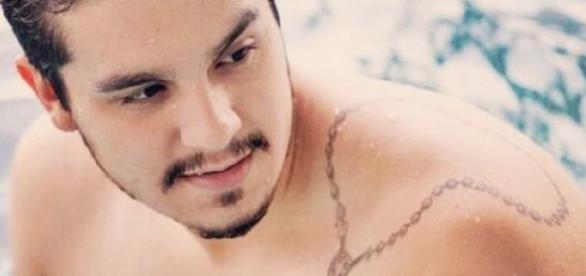 Luan Santana começa a investir em carreira mais sensual
