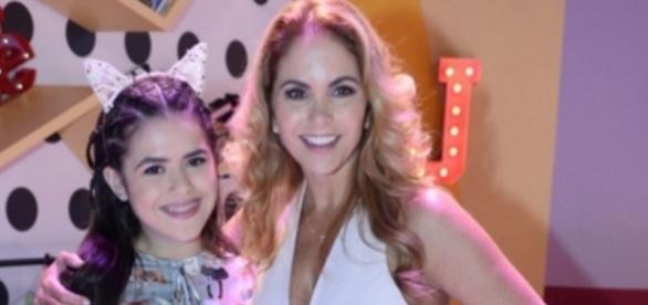 Lucero e Maisa Silva na coletiva de imprensa de 'Carinha de Anjo'