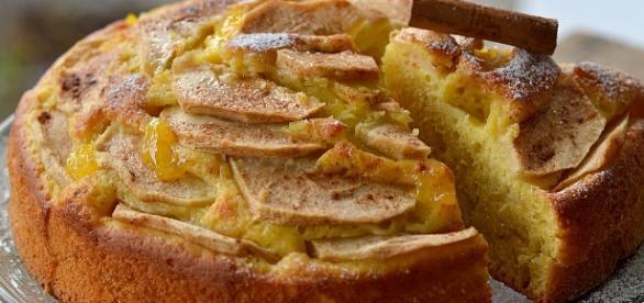 Colazione nutriente, merenda energetica, snack veloce, ovvero, la gustosa torta di mele