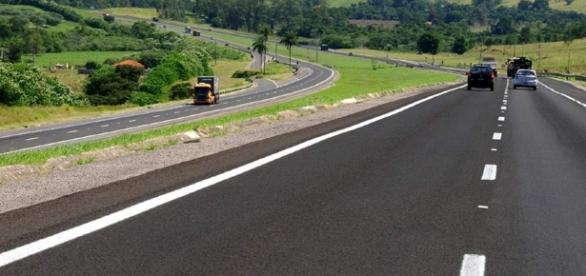 Rodovia Castelo Branco integra o sistema Castelo-Raposo
