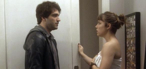 Tiago desconfia de Isabela em 'A Lei do Amor'