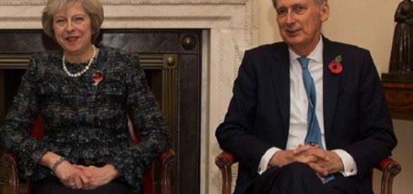 May în dispută cu excentricul Hammond