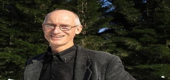 Nigel salientou que atração gravitacional da Terra com a Lua geraria terremoto (Nigel Antony Gray)