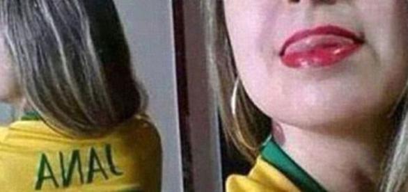 Quando não se tem cuidado o espelho pode fazer você passar vergonha com uma selfie.