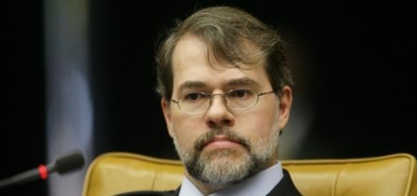 Dias Toffoli tem seu nome retirado de inquérito por ordem de Moro