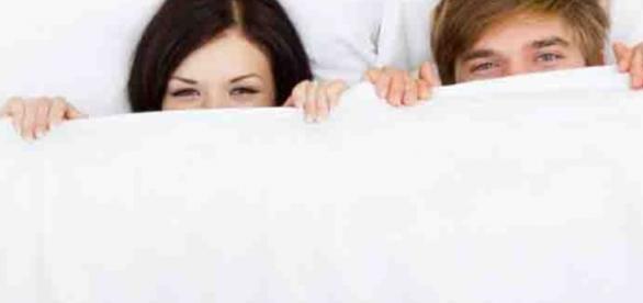 Estudo mostra que dormi em camas separadas é mais saudável