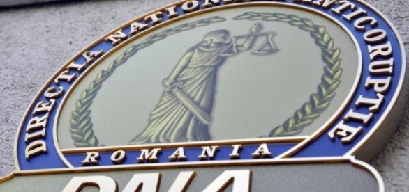 DNA primește moștenire doua case de la un român