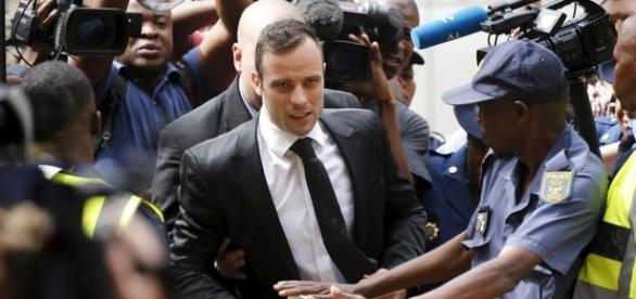 Oscar Pistorius will return to uncle's mansion after being granted ... - mirror.co.uk