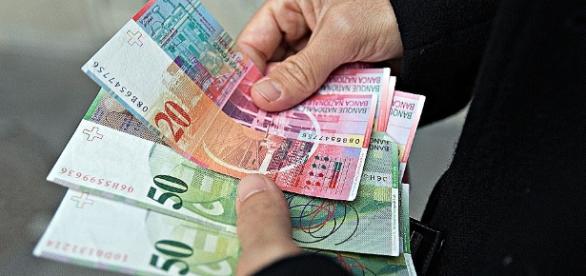 Polacy znów zadłużają się ponad miarę