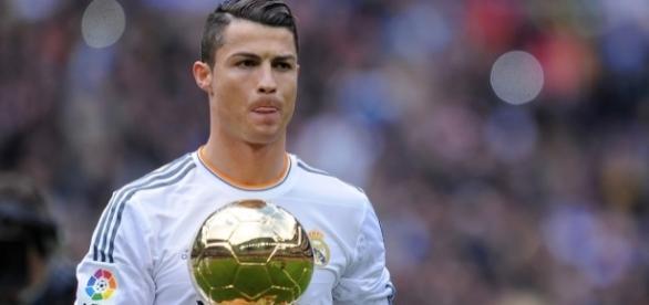 Ronaldo venceu a Bola de Ouro pela quarta vez.