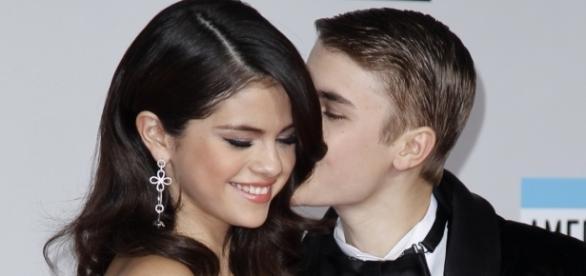 Selena Gomez e Justin Bieber estariam juntos novamente