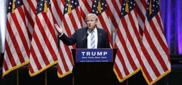 Donald Trump va con todo contra los medios