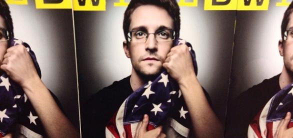 Snowden Wired cover - CC BY - Int;