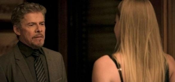 Tião estupra e machuca Jéssica em 'A Lei do Amor' (Divulgação/Globo)