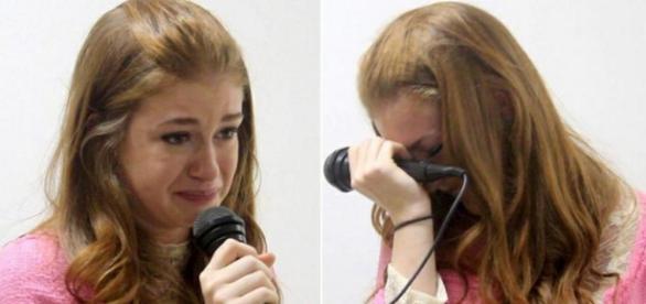 Maria Ruy Barbosa chora em evento