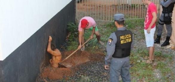 Criminoso fica preso durante fuga