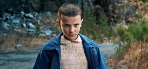 Eleven é interpretada pela jovem Millie Bobby Brown.