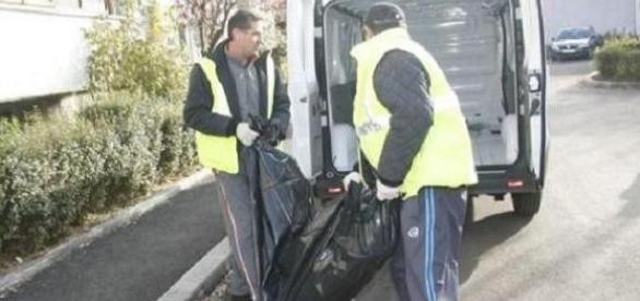 ÎNGRIJITOARE româncă din ITALIA găsită SPÂNZURATĂ în garaj. Avea un BĂIEŢEL de 8 ani
