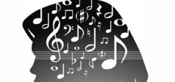 Melodia tocando sem parar dentro da cabeça