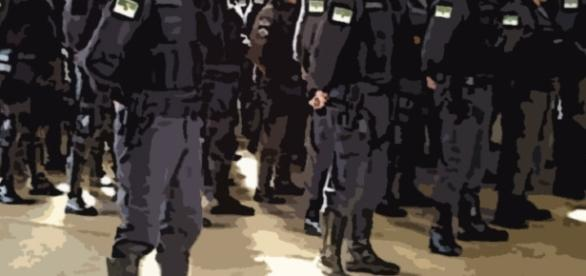Para alguns a polícia é suspeita de imparcialidade.