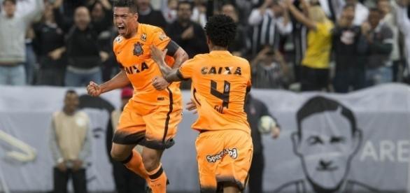 Ambos os jogadores já foram campeões atuando pelo Corinthians
