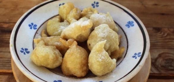 La ricetta delle pettole tarantine, il dolce fritto più buono da ... - scattidigusto.it